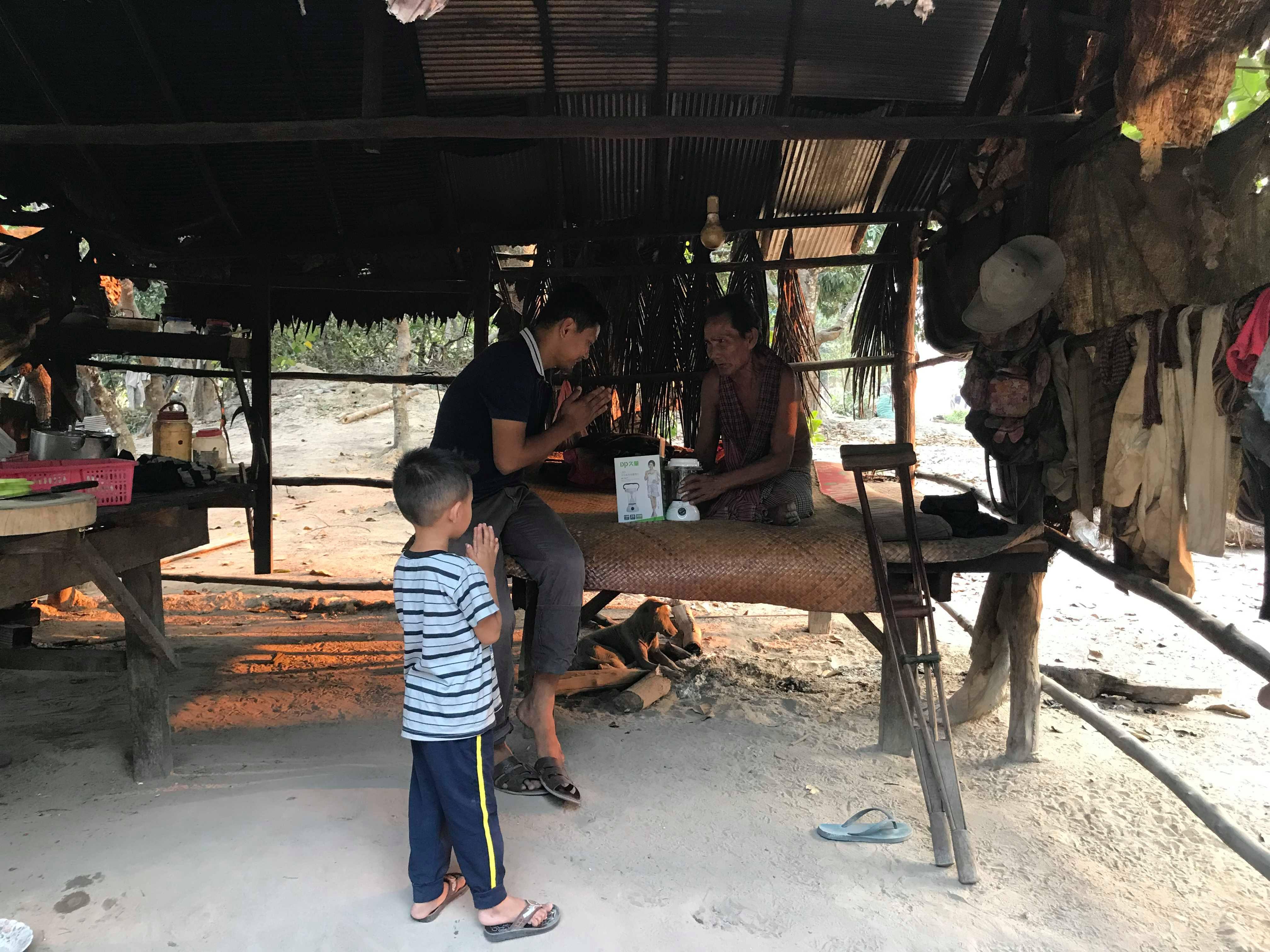 Solar lamps voor Anlong Thom village